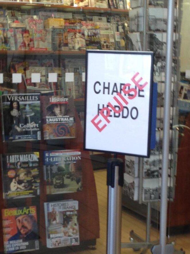 Le dernier Charlie Hebdo (vendu à 8 millions d'exemplaires) épuisé !