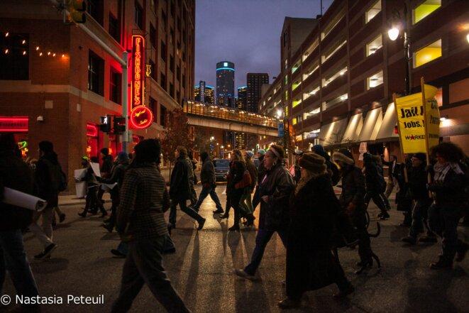 Les manifestants ont calmement défilé dans le quartier grec de Détroit.  © Nastasia Peteuil