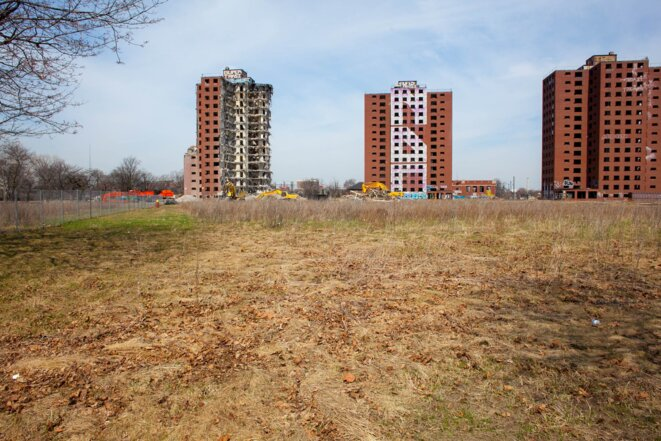 La ville n'a pas attendu que la faillite finance les démolitions, de nombreuses déconstructions sont déjà en cours. © Nastasia Peteuil