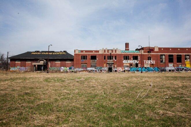 La ville compte près de 80 000 bâtiments vides prêts à être détruits ou rachetés lors de ventes aux enchères.  © Nastasia Peteuil