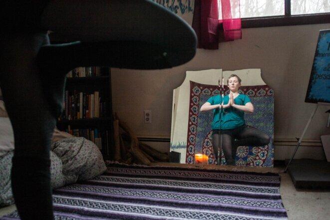 Kelly McGowan explique les pressions qu'ont exercé les remboursements de sa dette sur ses choix de vie. © Nastasia Peteuil