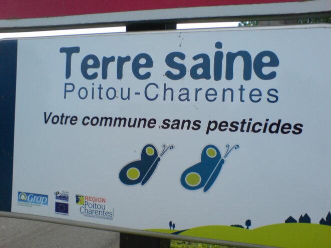 """Logo """"Terre saine"""" © Photo JC Mathias"""