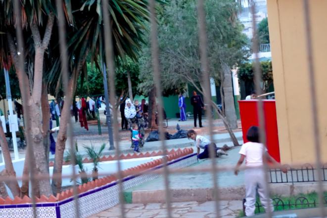 2.000 personas, entre ellos 500 niños, viven en el CETI de Melilla, con una capacidad de 480 plazas. © Rachida El Azzouzi
