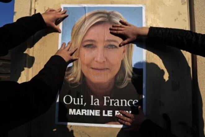 Ficha del FN durante la segunda vuelta de las municipales en marzo de 2014. © Reuters