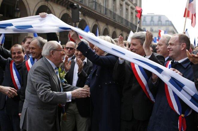 Jean-Marie Le Pen durante el tradicional desfile del 1 de mayo del FN, en París. © Reuters © Reuters