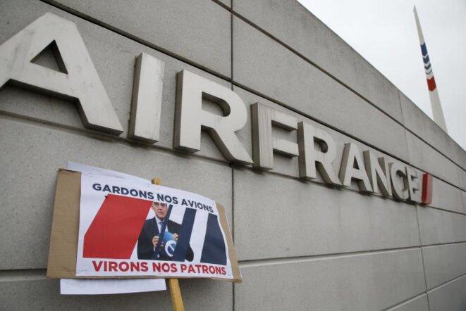 Frente a la sede de Air France, el 5 de octubre. © Reuters - Jacky Naegelen