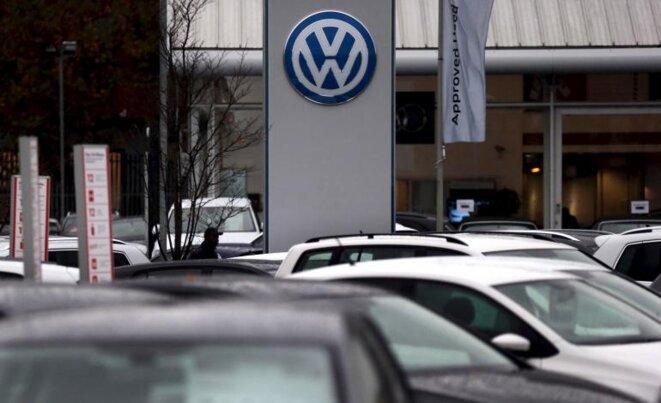 Un concesionario de Volkswagen en Londres en noviembre de 2015. © Suzanne Plunkett - Reuters