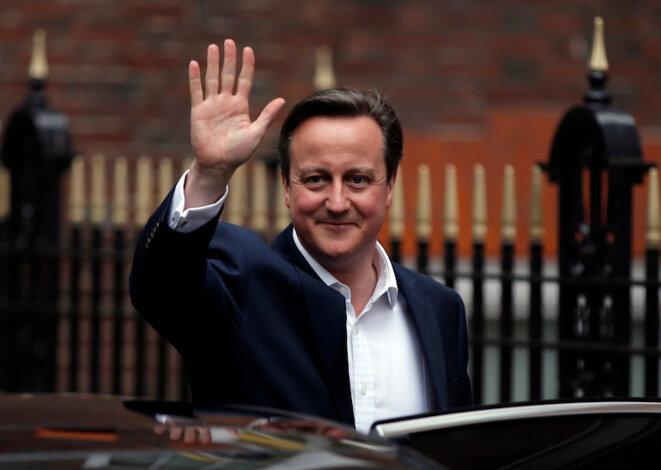 David Cameron llega victorioso a la sede del partido conservador el viernes 8 de mayo. © Reuters