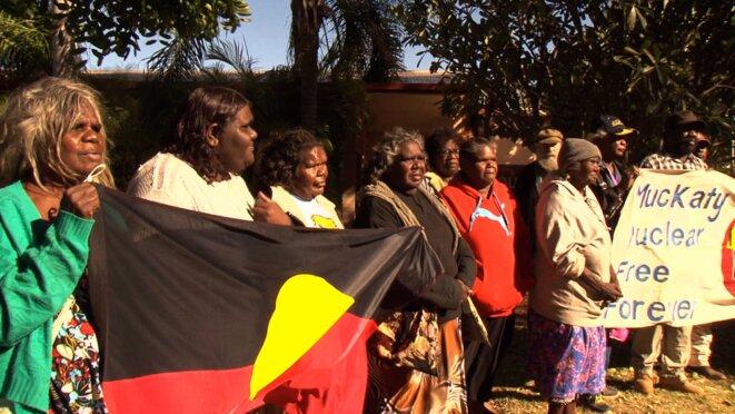 Procès Aborigène contre enfouissement de déchets nucléaires à Muckaty © Vanessa Escalante, Dreamings Films