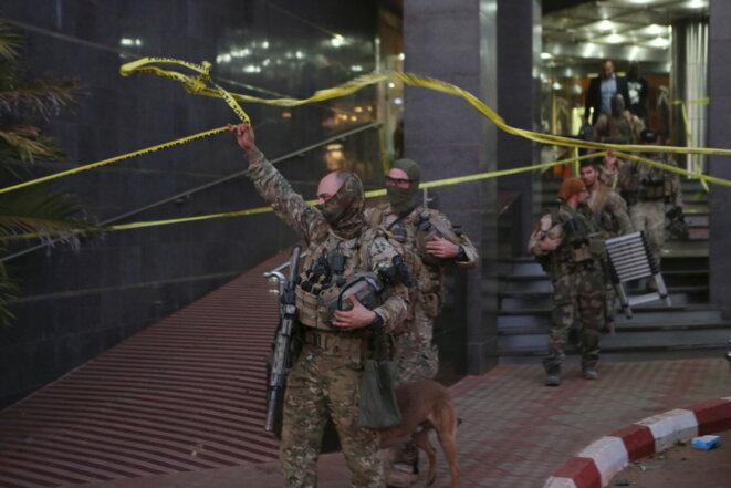 Des forces spéciales, le 20 novembre, à Bamako © Reuters
