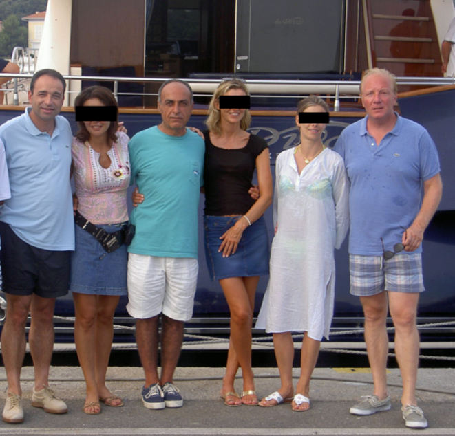 Ziad Takieddine en compagnie de Brice Hortefeux, de Jean-François Copé et de leurs épouses. © Photo Mediapart