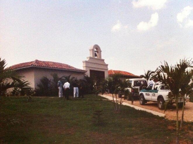 """La police garde la villa """"Cactus"""". © dr"""