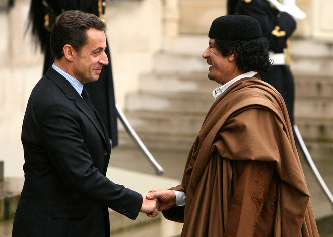 MM. Sarkozy et Kadhafi, en 2007, à l'Elysée.