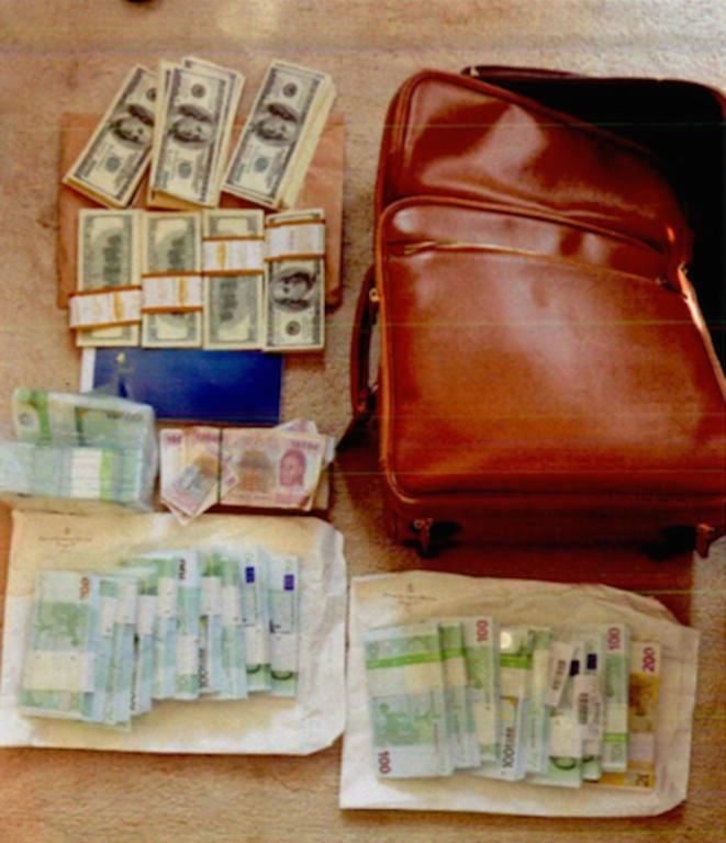 La valise découverte chez Edgard Nguesso, neveu du président du Congo-Brazzaville..  © DR