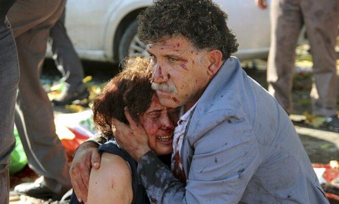 rescapés du massacre à Ankara le 10/10/15  © The Guardian