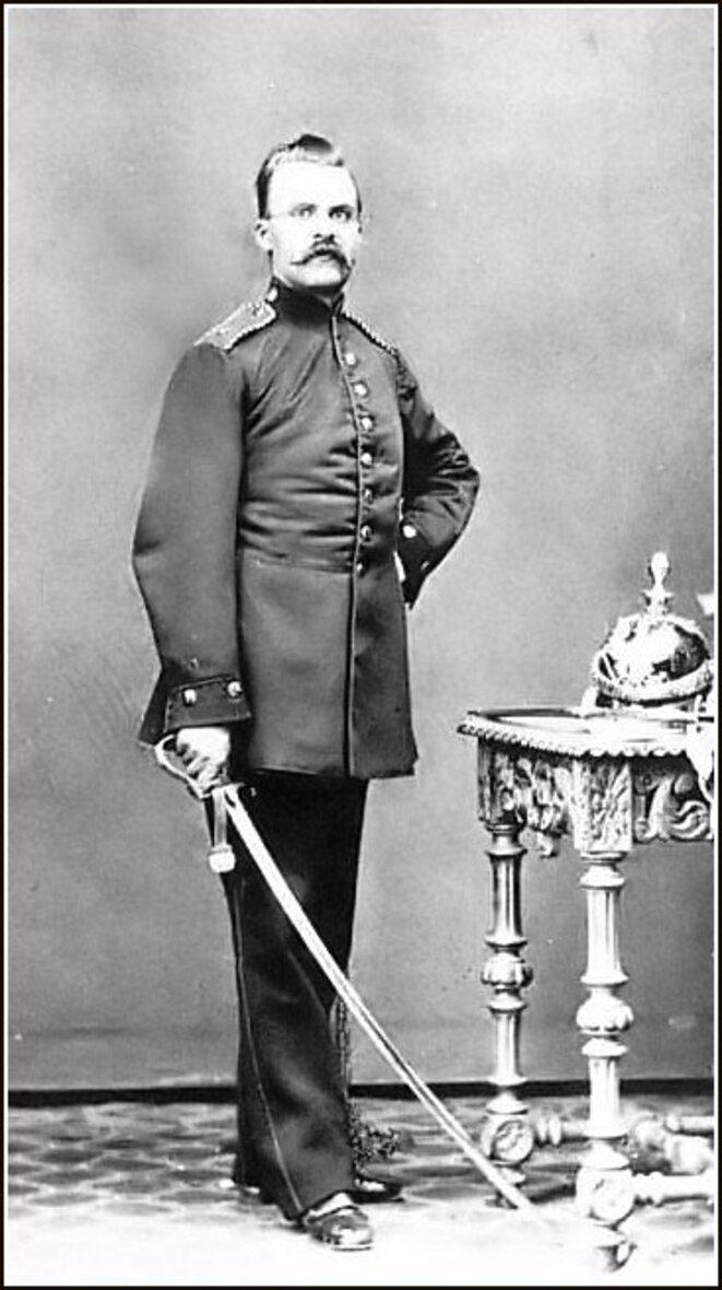 Friedrich Nietzsche artilleur en 1868 © Auteur inconnu de moi - Photo tombée dans le domaine public
