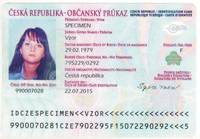 Carte d'identité tchèque qu'on trouve sur internet