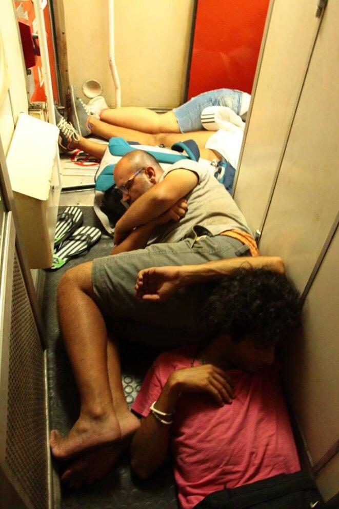 Enfin un peu de repos à bord du train