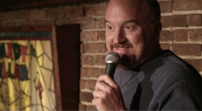 Louis C.K. sur scène, dans sa série «Louie ».