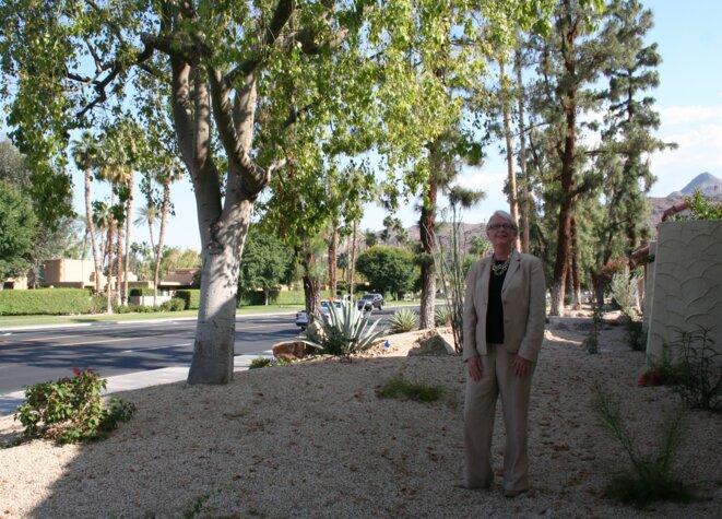 Kate Castle nous montre les plantes désertiques qui ont remplacé les pelouses.