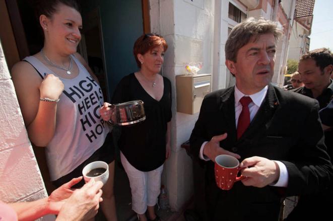 J-L. Mélenchon dans la cité Bruno à Dourges, fin mai.