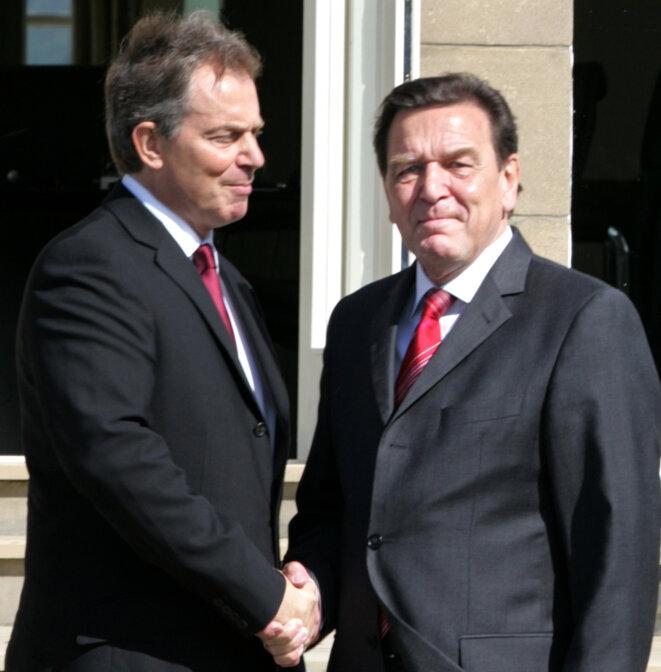 Tony Blair et Gerhard Schröder en 2005. © Reuters