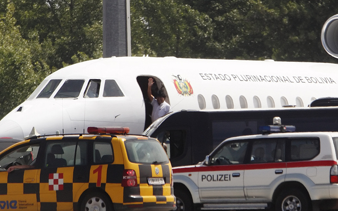 Evo Morales à l'aéroport de Vienne le 3 juillet. © Reuters