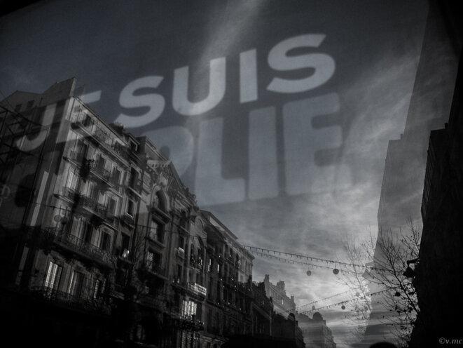 """""""Je suis Charlie"""" - reflet dans le ciel de Marseille © Violette.M_C"""