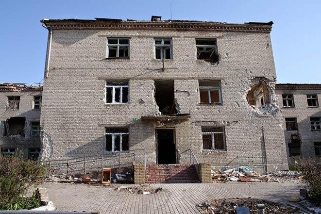 L'hôpital psychiatrique de Semyonovka, pris par les séparatistes, puis bombardé