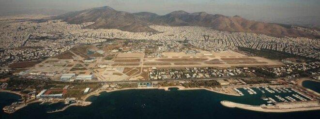 Le terrain d'Elleniko, 620 hectares en bord de mer dans la banlieue sud de la métropole athénienne