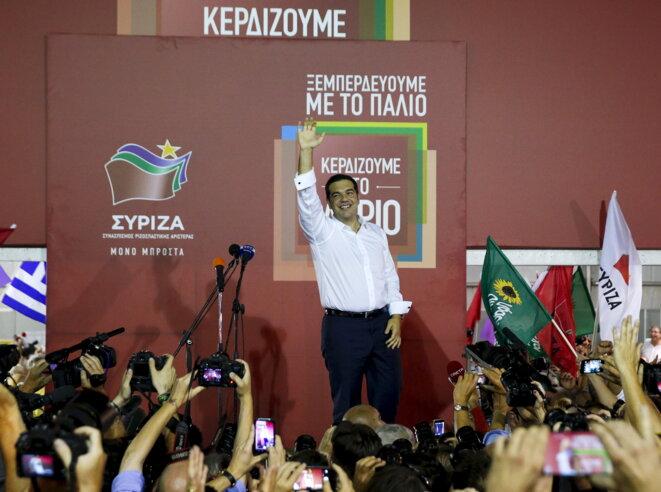 Alexis Tsipras annonce sa victoire au kiosque électoral de Syriza, dimanche 20 septembre 2015 © Reuters