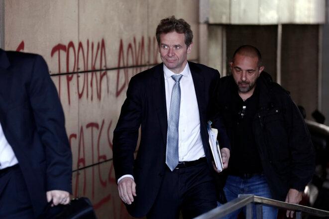 Poul Thomsen lors d'une visite au ministère grec des finances, en mars 2014.