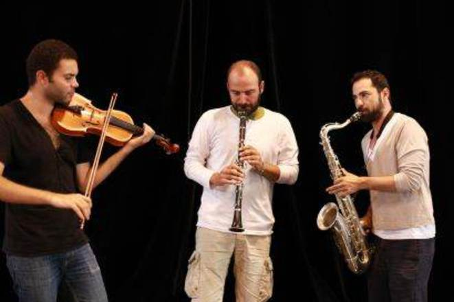 Le trio Jasser Haj Youssef, Kinan Azmeh et Basel Rajoub.