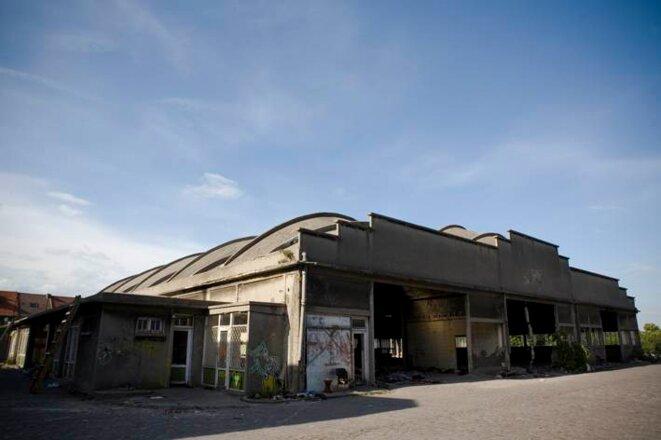 Le hangar, baptisé Africa House. © Marion Osmont