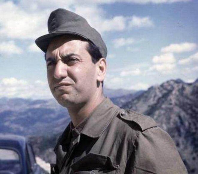 Hocine Aït Ahmed en 1963, dans le maquis.
