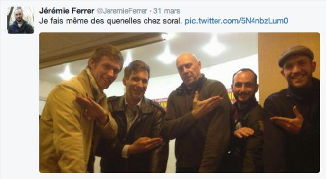 Jérémie Ferrer et plusieurs militanst de l'AF provence aux côtés de Soral.  © DR