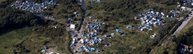 Vue aérienne de la « new jungle » de Calais.  © Reuters