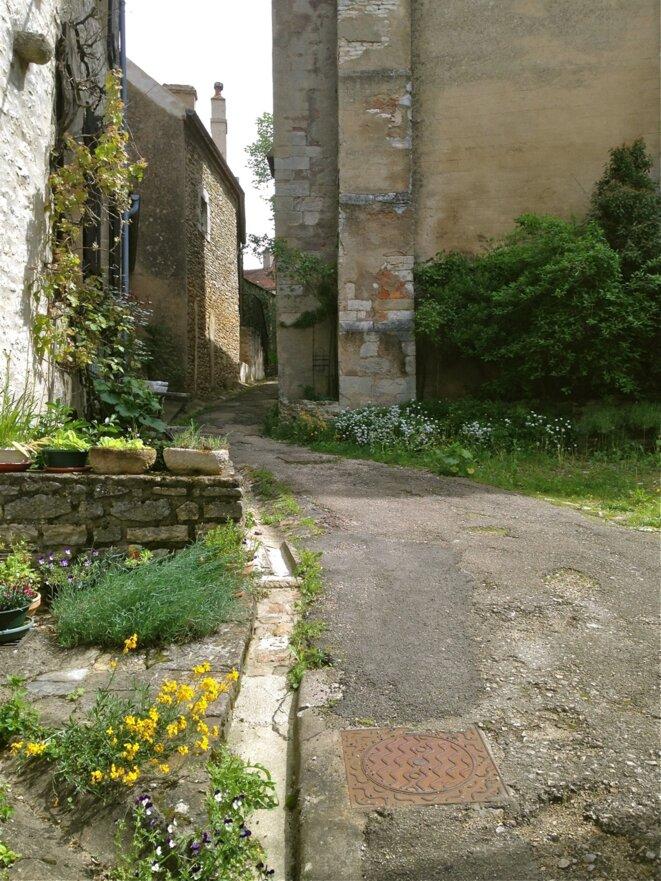 Une ruelle de Vézelay. © A. D.