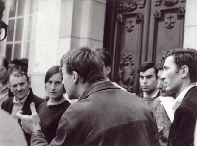 Mon père à droite, et ma mère à gauche, à la Sorbonne.