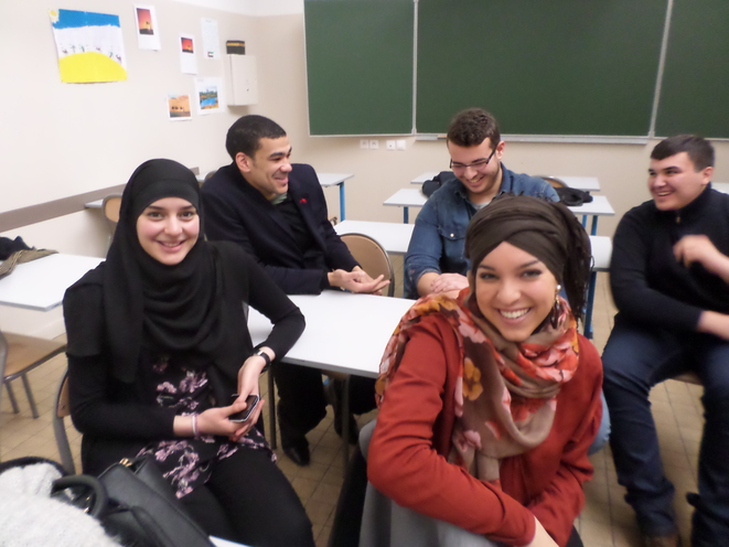 Un groupe d'anciens élèves du lycée Averroès