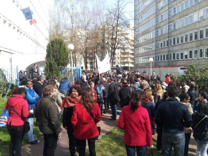 Manifestation devant le rectorat de Créteil