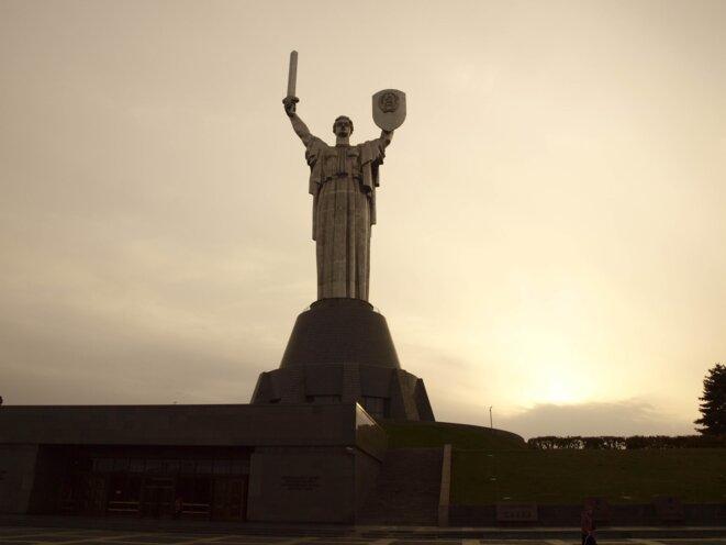 Statue de la mère patrie à Kiev © Anne Rio