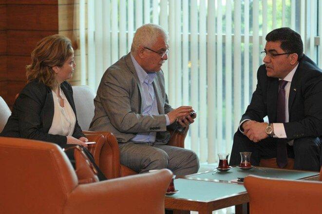 De gauche à droite: Souheir al-Atassi, Georges Sabra et Ghassan Hitto