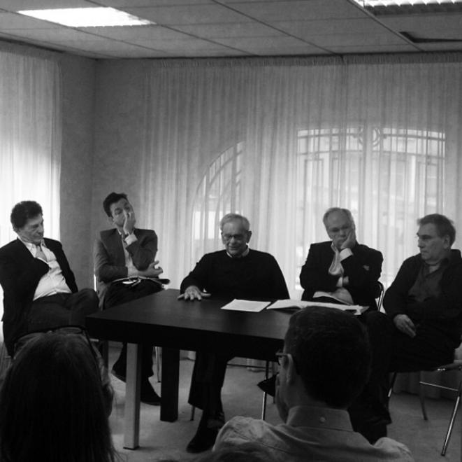 De gauche à droite : Claude Weil, Renaud Dély, Claude Perdriel, Laurent Joffrin et Michel Labro © Isabelle Monnin sur Twitter