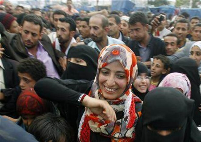 La jeune activiste Tawakul Karman, prix Nobel de la paix, à Sanaa dans une manifestation à Sanaa © dr
