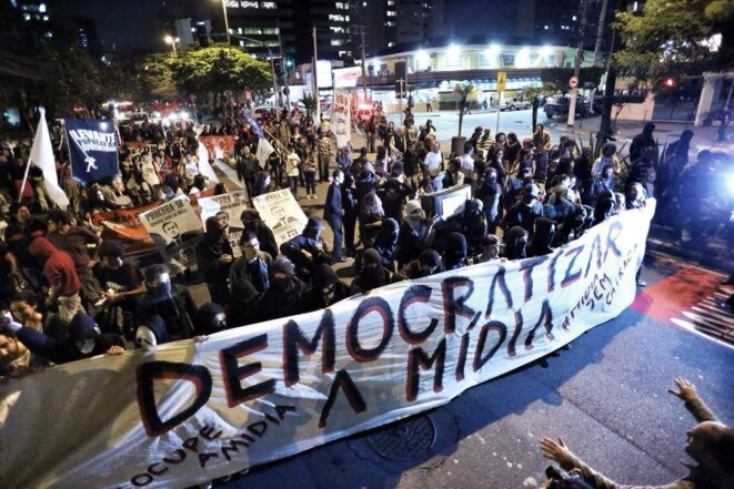 Manifestation pour la démocratisation des médias