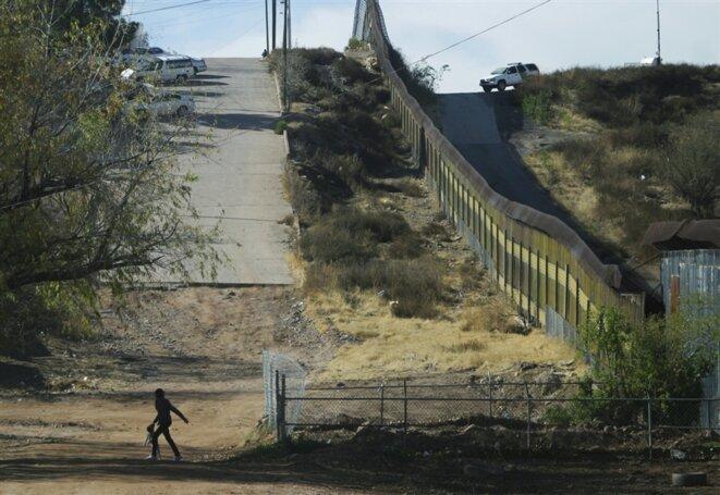 A la frontière entre le Mexique et les Etats-Unis