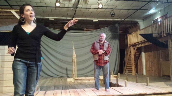 Leonor et Montaigne (Camille Benicel et Jean-Claude Drouot en répétition au Théâtre du Jour d'Agen) © JJMU