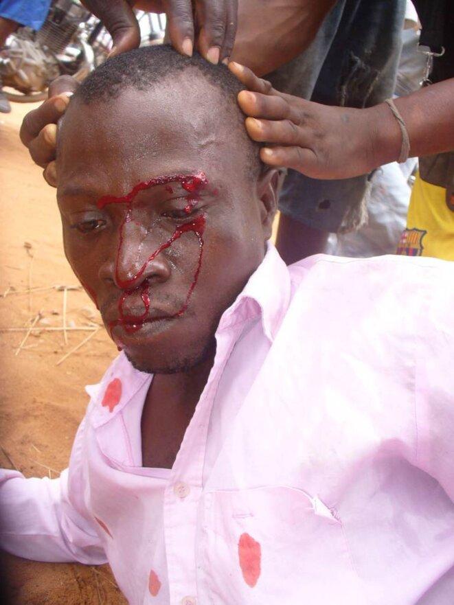 http://cvu-togo-diaspora.org/2011/06/19/brutalites-policieres-au-togo-entre-le-17-juin-2011-campus-universitaire-transforme-en-camp-militaire/4465 © Campus de Lomé, 17 juin 2011