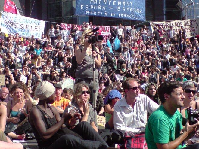 Mai 2011 à Bastille : Relle Démocratie Maintenant ! © Paris Le Mai